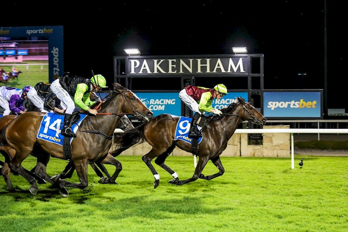 pakenham racing tips